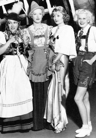 costumeparty-swanson-davies-bennett-harlow