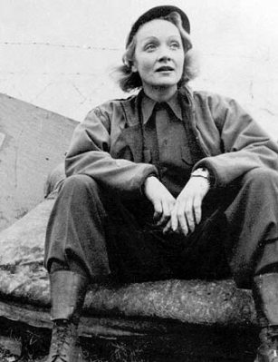 a soldier lovingly remembers marlene dietrich sister celluloid. Black Bedroom Furniture Sets. Home Design Ideas