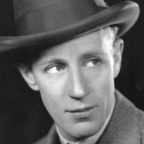 August 1928: English actor Leslie Howard starring in 'Her Cardboard Lover'. (Photo by Sasha/Getty Images)