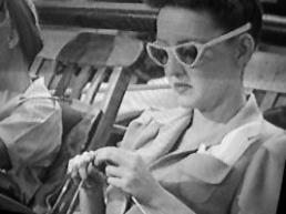 knitting-davis-movies-2