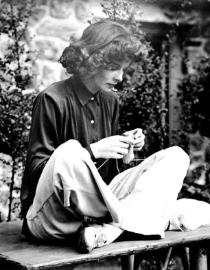 knitting-hepburn-1