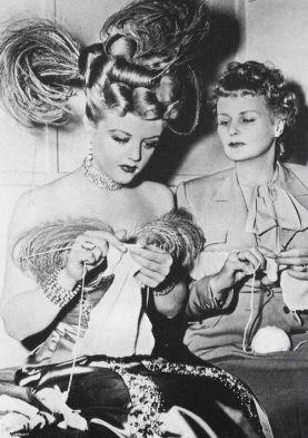 knitting-lansbury-moyna